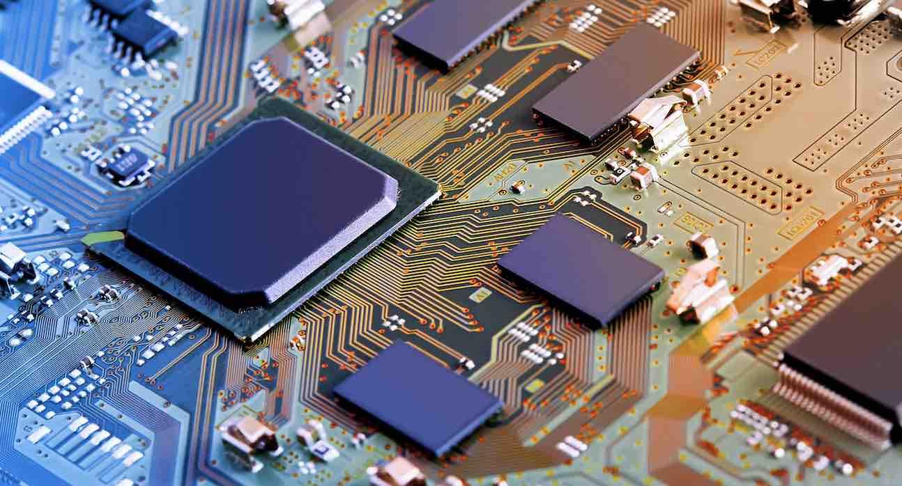 Legacy BIOS và UEFI, MBR Với GPT