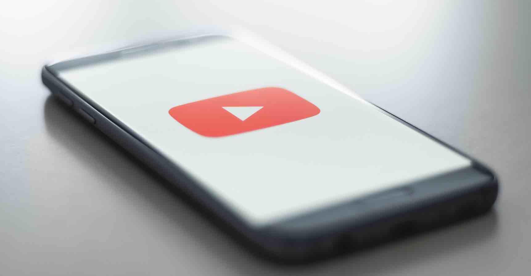 Xem youtube trong khi man hinh khoa