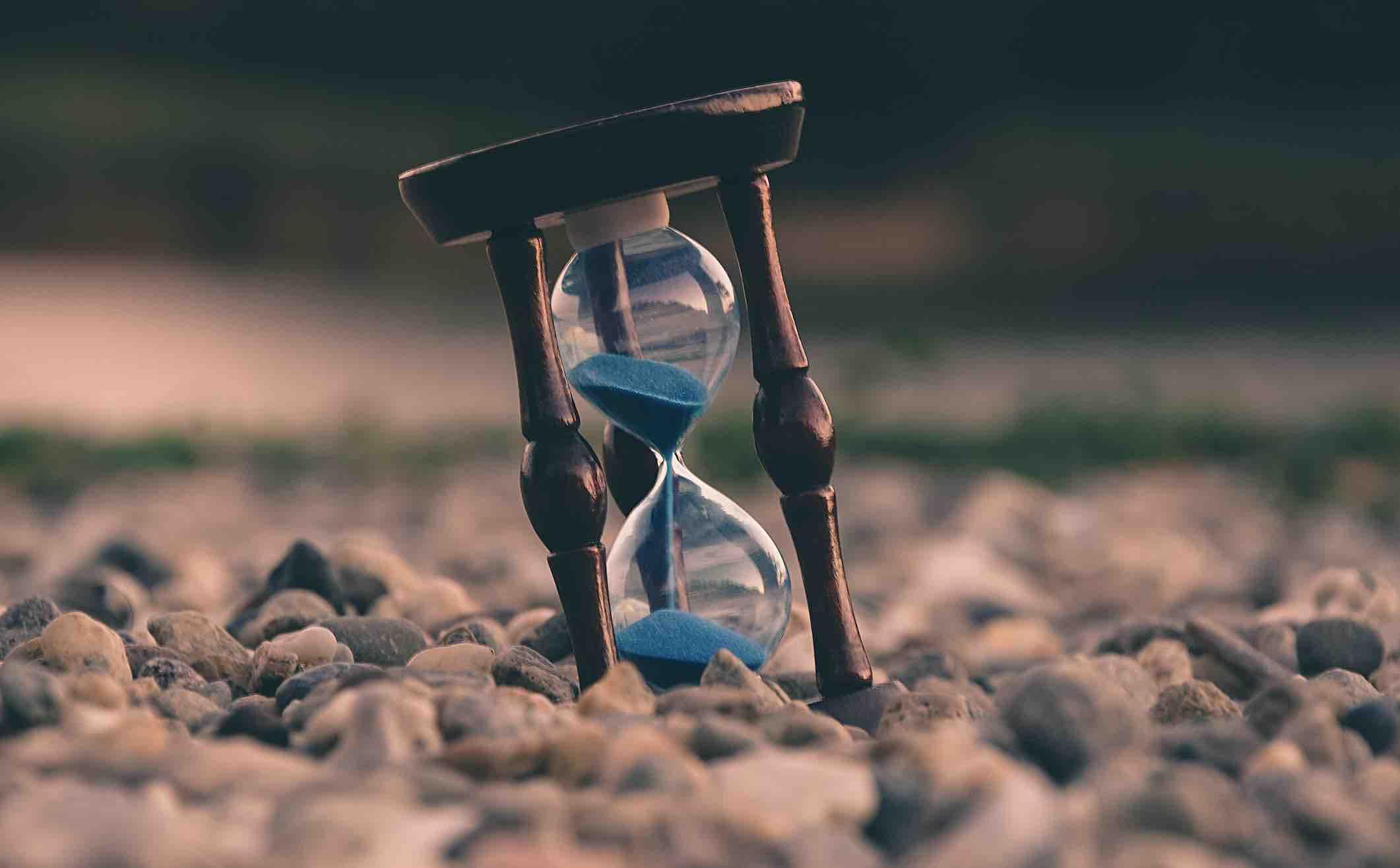 deadline la gi