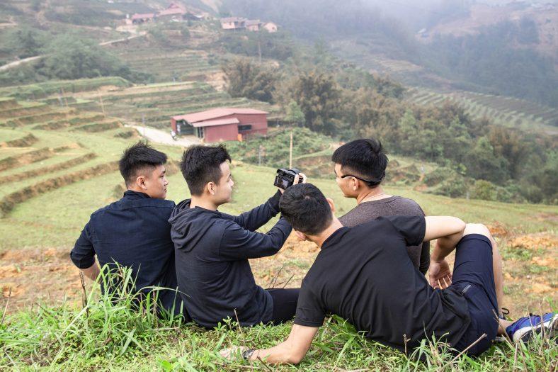 Lập một team để chụp choẹt thú vị hơn là đi một mình đấy