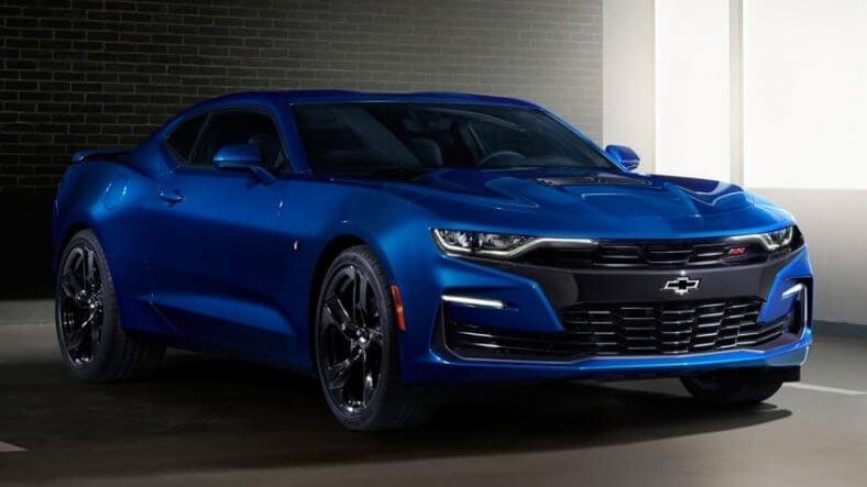 Chevrolet Camaro màu xanh
