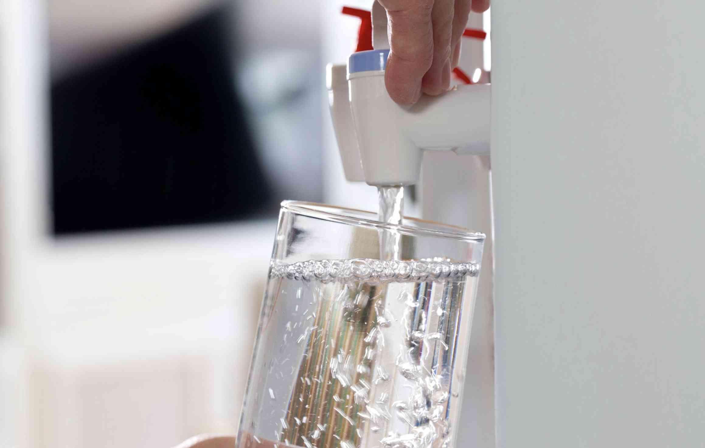 Thiết kế bình nước bên trong