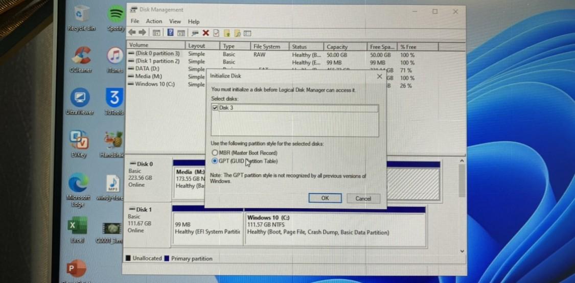 Định dạng ổ cứng SSD