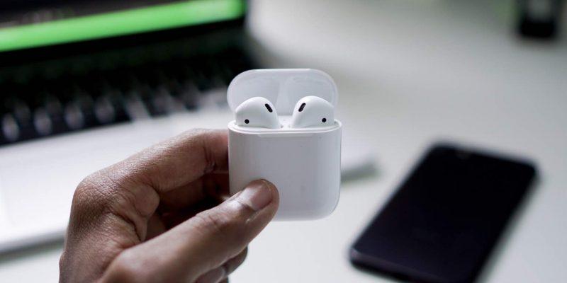 Apple chính thức giới thiệu AirPods 2: Chip H1 mới, Case sạc không dây