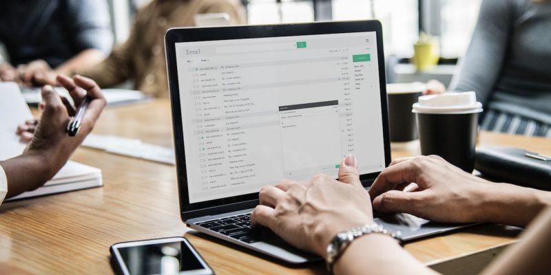 Cách soạn và gửi email cho người khác với Gmail trên máy tính