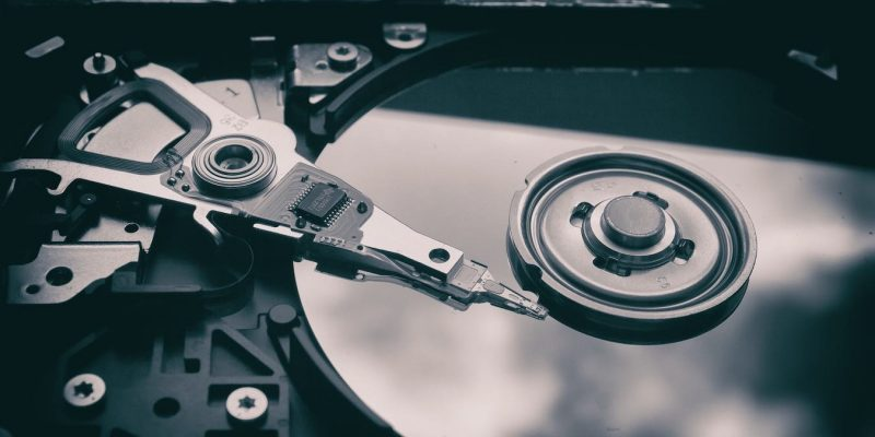 Nên làm gì khi lỡ tay xoá nhầm dữ liệu trong USB, SD Card,..?