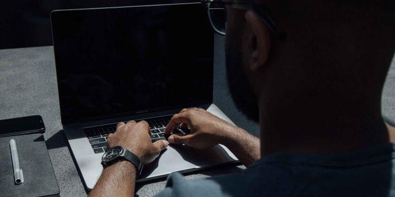 Top 9 cách khắc phục lỗi máy tính PC/Laptop bị màn hình đen