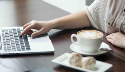 Cách sử dụng Laptop đúng cách để tăng tuổi thọ Pin Laptop