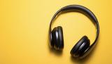 Nên mua tai nghe chụp tai giá rẻ và loại nào tốt nhất hiện nay